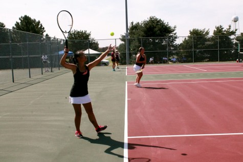 Girls tennis place second at regionals