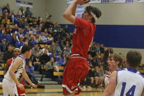 Maize basketball wins both games