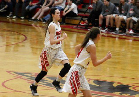 Girls basketball defeats Eisenhower