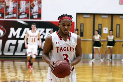 Boys basketball loses to Derby