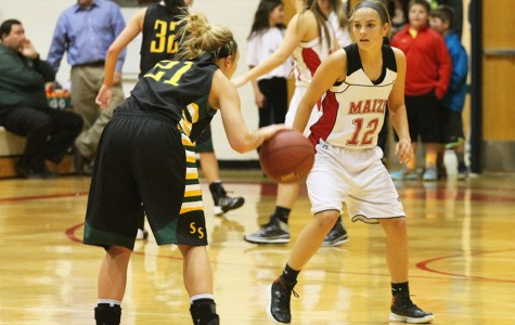 Girls basketball wins at homecoming against Salina South