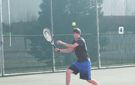 Boys tennis place fifth over the weekend