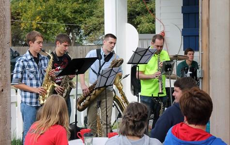 Moxi Junction hosts jazz concert