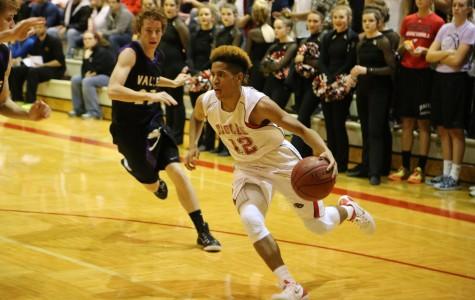 Boys basketball defeats Arkansas City