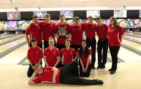 Bowling qualifies for state