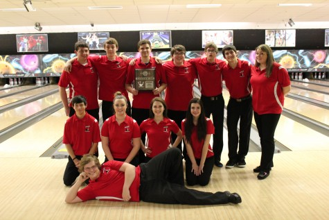 Both boys and girls bowling qualifies for the state competition.