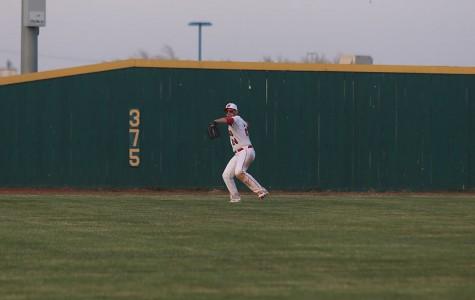 Baseball defeats Carroll in thriller