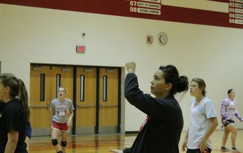 Volleyball starts season at Hutch