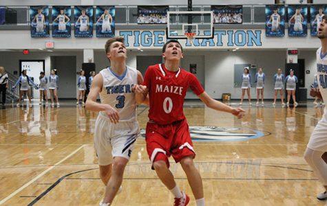 Boys basketball loses to Eisenhower