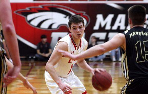 Boys basketball defeats Maize South