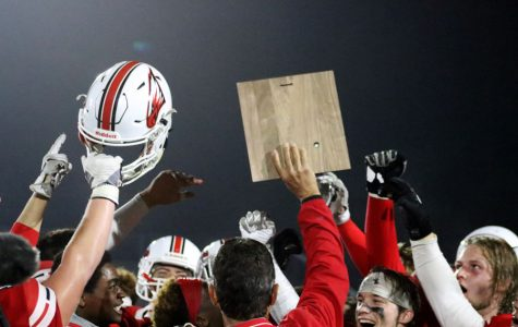 Maize football knocks off Heights to advance in playoffs