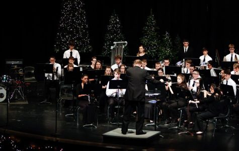 Band hosts holiday concert