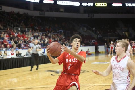 Last-second shot gives Maize victory over Derby