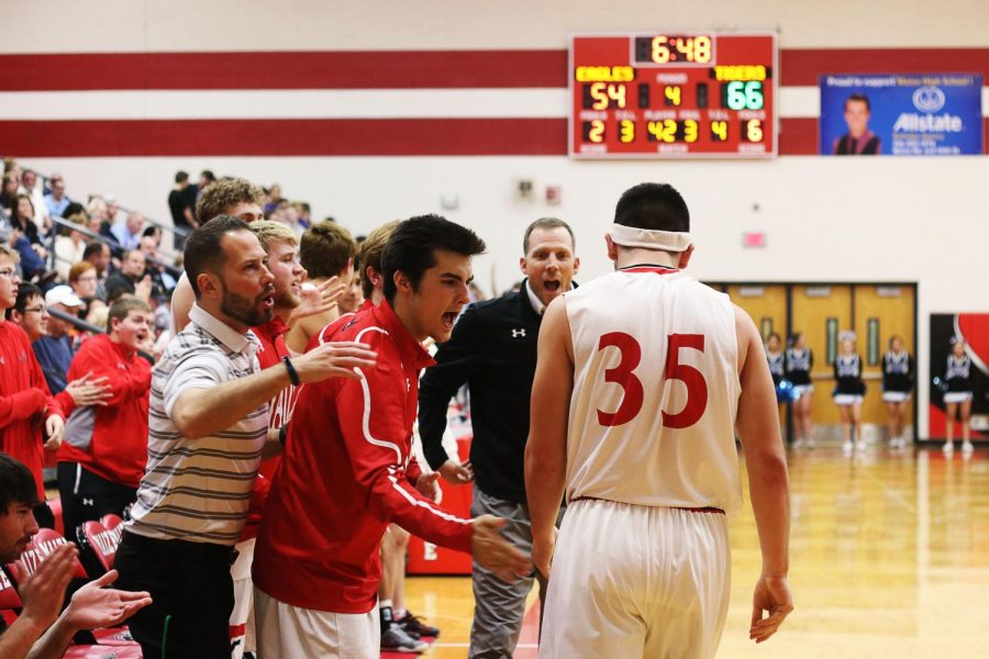 Eagles fall to Eisenhower