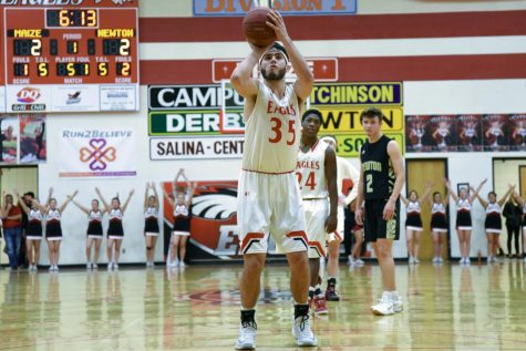 Boys basketball defeats Salina Central and Southeast