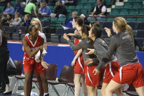 Girls basketball falls in state semifinals