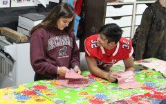 Art class aids artist in quilt-making project