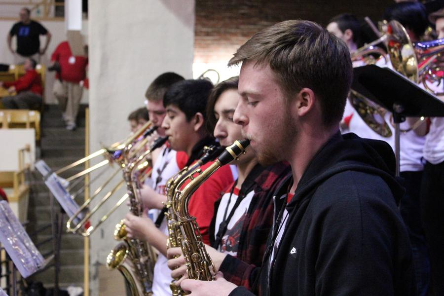 The+Maize+High+pep+band%27s+saxophone+players.