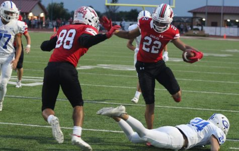 Football beats Goddard 42-0 in homecoming game