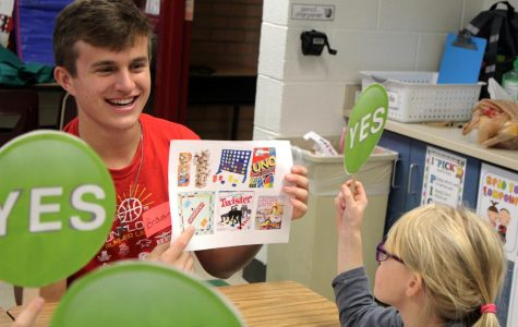 Marketing class visits Vermillion Elementary to study target markets