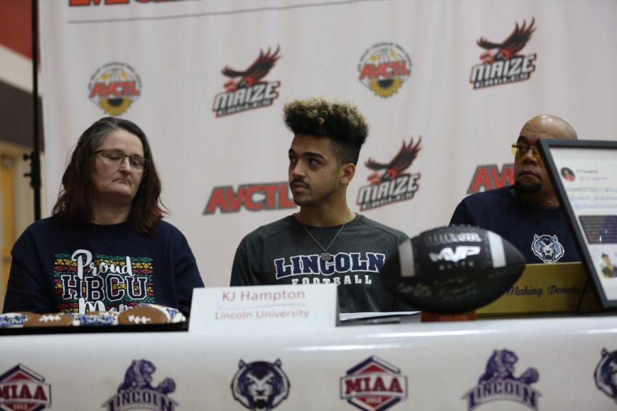 Senior KJ Hampton signing to Lincoln University to continue his football career.