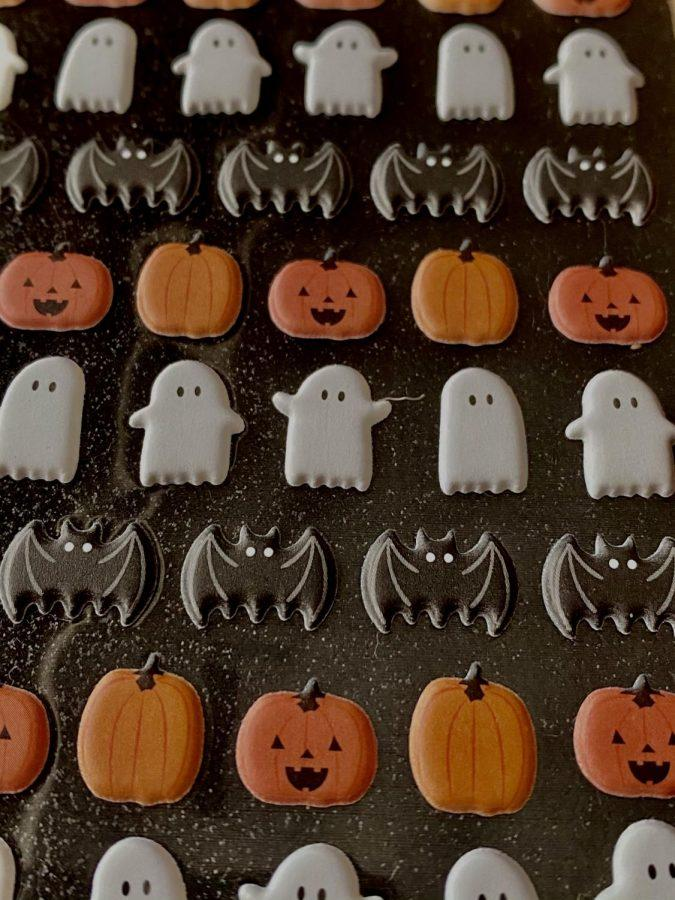 From annually dressing in costumes to ward off spirits, now hundreds of movies and works of literature have been put out celebrating Halloweens spooky season. Humans are generally pretty creative and imaginative, so I think people also use the explainable to explore their creativity, McMillan said.