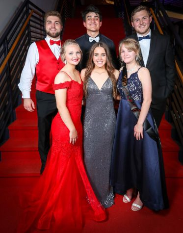 Slideshow: Prom Red Carpet